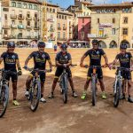 Equipo de ciclismo vallas Itowall